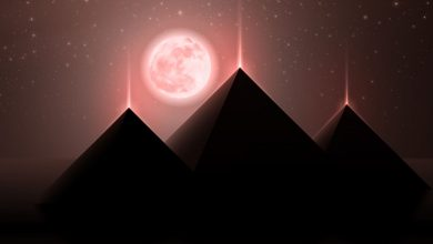 An artists rendering of the three pyramids at Giza and the Moon. Shutterstock.