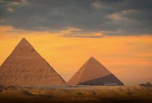 An image of the pyramids of Khufu and Khafre at the Giza plateau. Shutterstock.