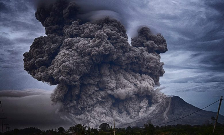 An image of a volcanic eruption. Jumpstory.