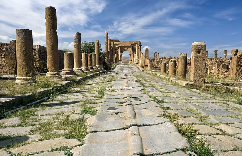 Perfect Roman roads in the city of Timgad. Credit: Alan and Flora Botting via Flickr Commons
