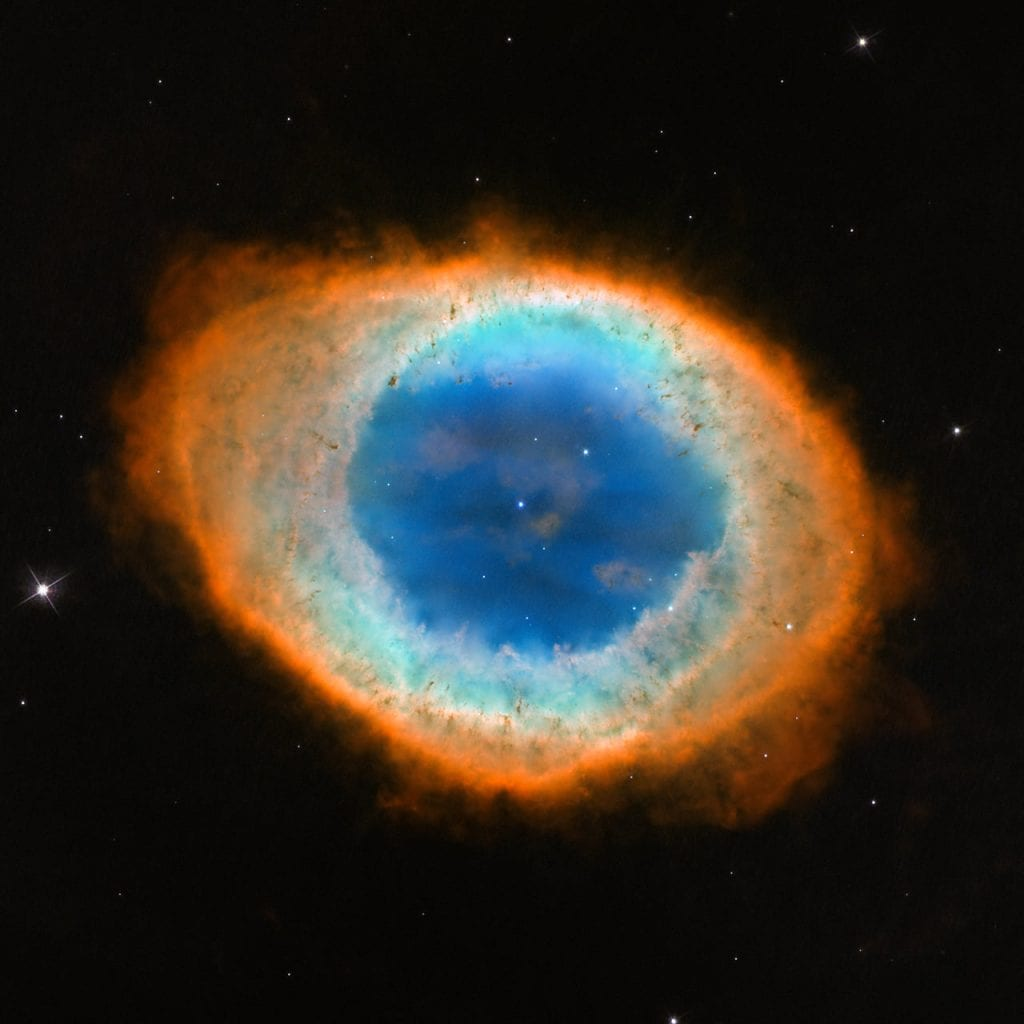 This Hubble image portrais the magnificent Ring Nebula. Credit: NASA, ESA, and the Hubble Heritage (STScI/AURA)-ESA/Hubble Collaboration