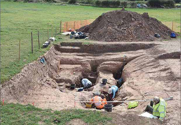 Excavation of the Early Neolithic Complex at Street House. Credit: Stephen J. Sherlock / Antiquity, 2021