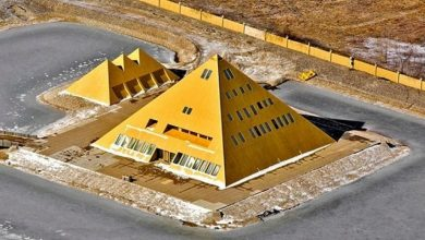 Photo of A Man Builds a Replica of the Great Pyramid of Giza