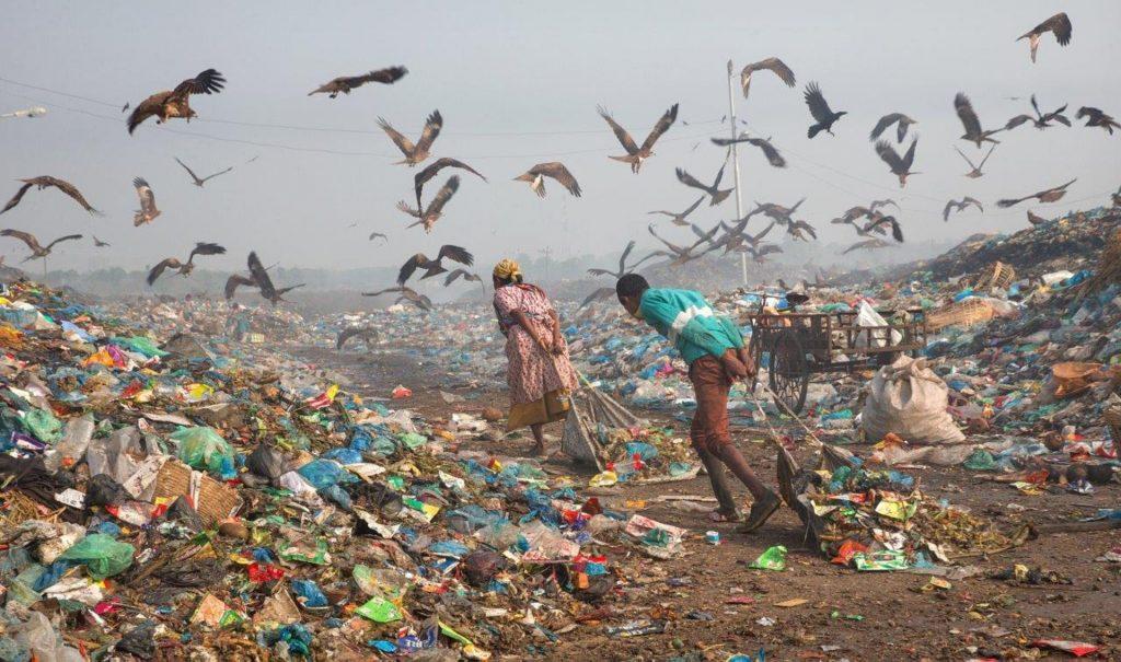 'Life in Garbage' by M Yousuf Tushar, of Bangladesh