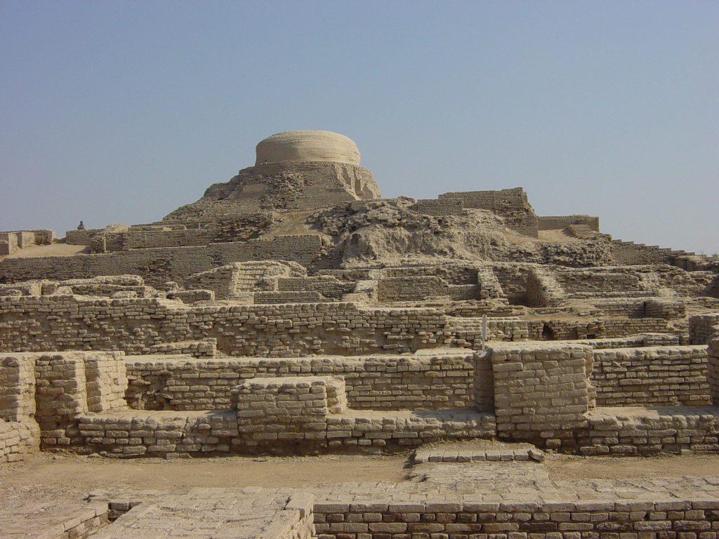 Archaeological Ruins at Moenjodaro (Pakistan) Image Credit: Wikimedia Commons.