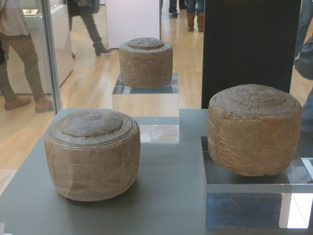 Folkton Drums displayed in the British Museum. Image Credit: Wikimedia Commons.