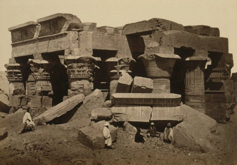 Kom Ombo Temple before reconstruction. Image Credit: Wikimedia Commons. Public Domain