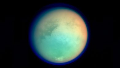 Photo of Saturn's Moon Titan is Home to 'Ghost Lakes' and Subterranean Caves