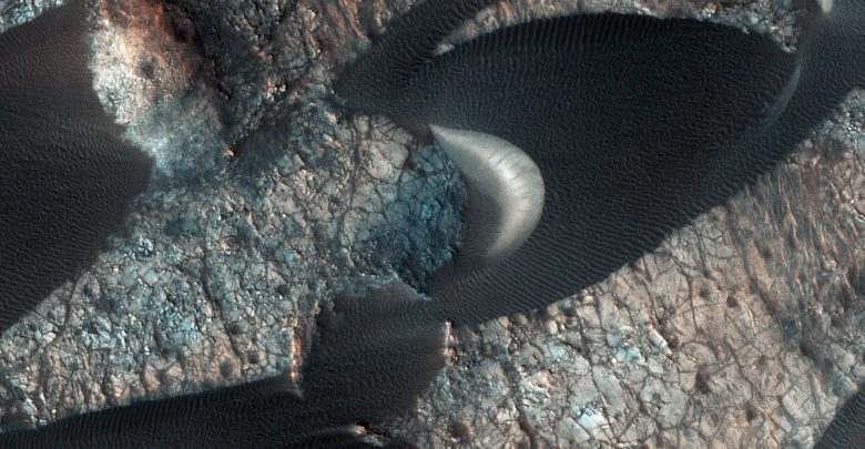 Image credit: NASA/JPL-Caltech/University of Arizona.