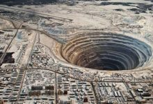 Photo of The Story Behind One of The Largest Man-Made Holes in the World