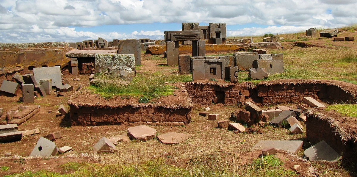 A look at the archaeological site of Puma Punku. Image Credit: Wikimedia Commons.