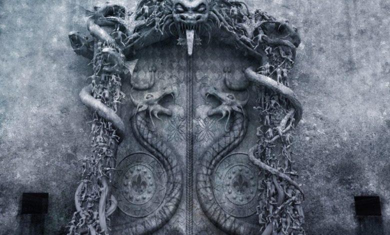 Vault B door with Cobra guardians.