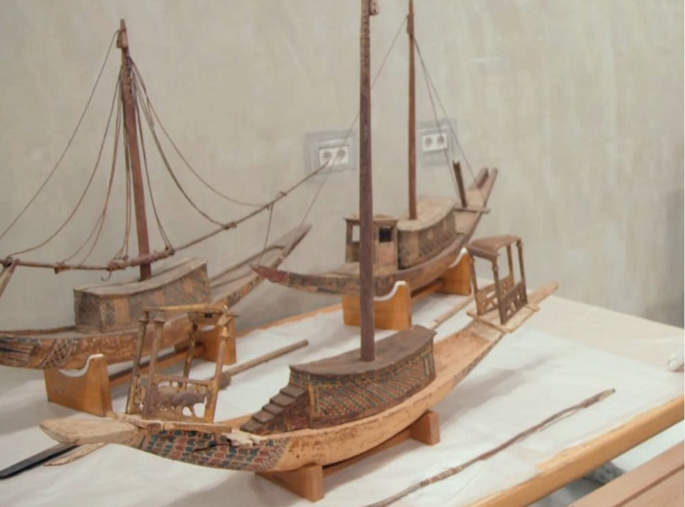 This image shows the rediscovered mast and boat pieces belonged to the boat in the foreground, meant for King Tut's afterlife. Image Credit: Luxor Museum.