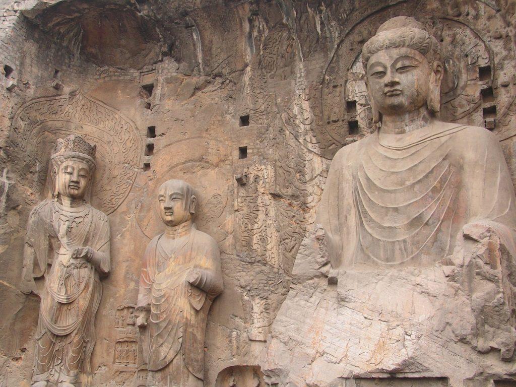 Longmen Grottoes at Luoyang. Image Credit: Wikimedia Commons.