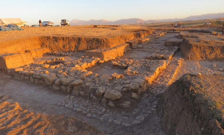 One of Kunara's public buildings during the excavations. Only a small part is known of this 25 x 40 m building, which is believed to date from the end of the 3rd millennium (around 2200 BC). Image Credit: A. Tenu / Mission archéologique française du Peramagron.