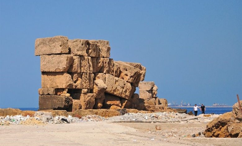 Image: The ancient wall once encompassed the entire Island. Notice the size of the blocks.