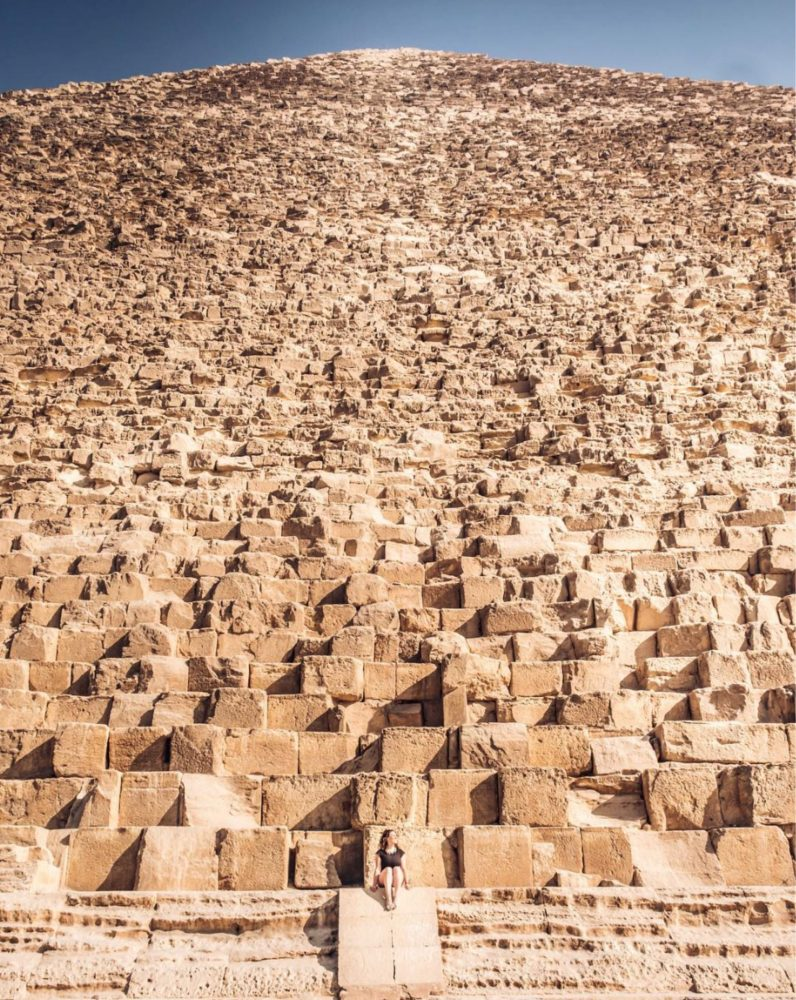 Insane perspective on just how immense The Great Pyramid of Giza is. Image Credit: StugotzLobos / Reddit.