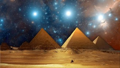 Photo of Researcher Claims to Have Solved the Mystery of the Pyramids' Peculiar Alignment