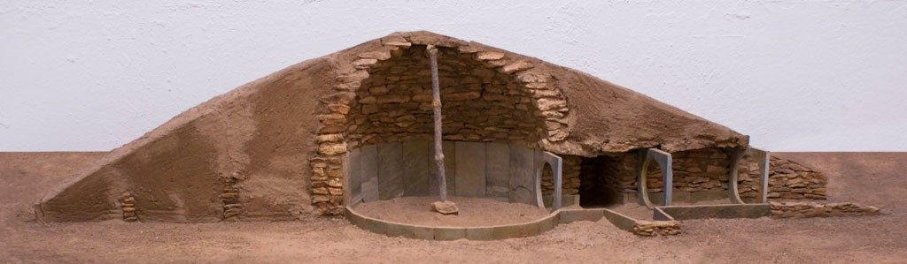 Model of one of the tombs characteristic of the prehistoric settlement of Los Millares (Santa Fe de Mondujar, Almeria, Spain). Image Credit: Wikimedia Commons.CC BY-SA 3.0
