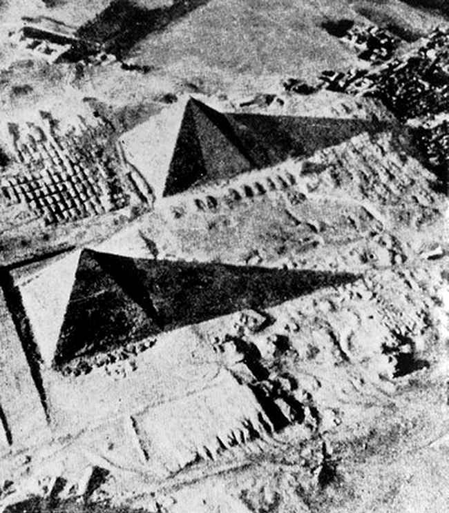 The eight-sides of the Great Pyramid of Giza are seen in this image taken in in 1940. Image Credit: Public Domain.