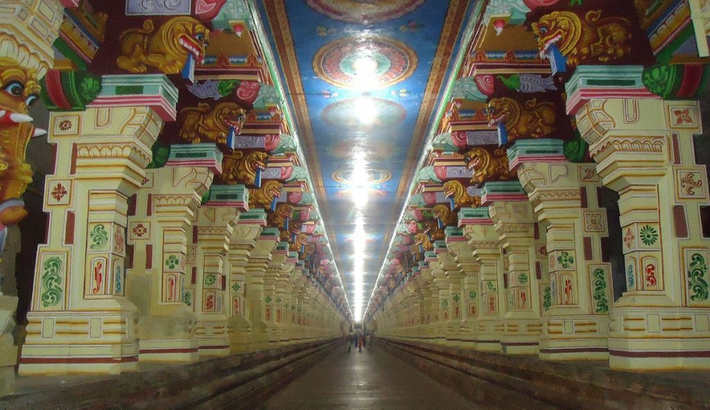 The Grand Corridor at the temple. Image Credit Wikimedia Commons.