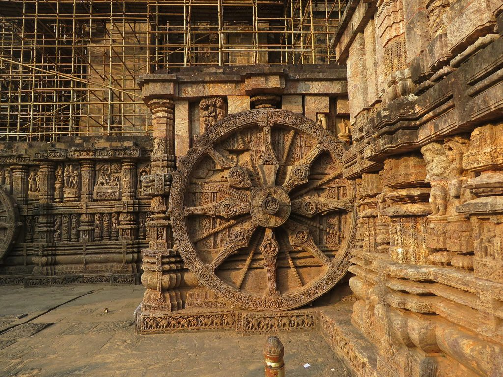 Design elements of the Konark Sun Temple. Image Credit: Wikimedia Commons.