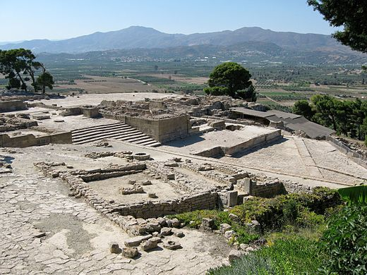 Palace complex at Phaistos. Image Credit: Wikimedia Commons.