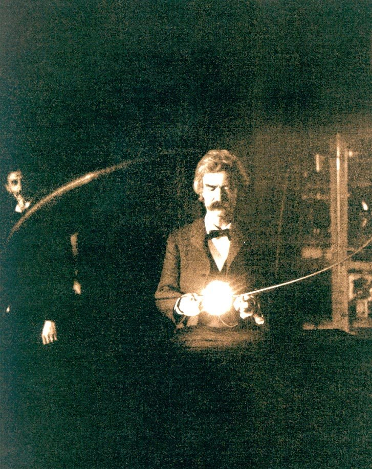 Mark Twain in the laboratory of Nikola Tesla, (1894). The writer was a great friend of the scientist. Image Credit: Wikimedia Commons.