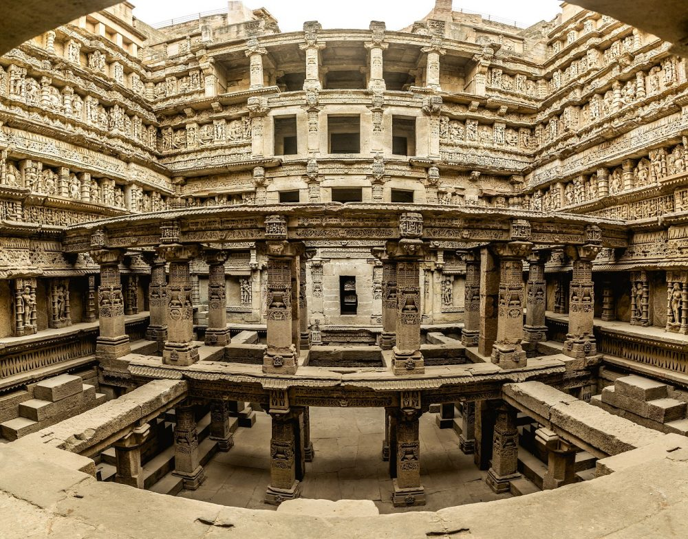 The inside of the stepwell. Image Credit: Wikimedia Commons / CC-BY-SA 4.0.