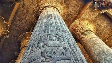 Hypostyle hall of the temple of Horus in Edfu. Shhutterstock.
