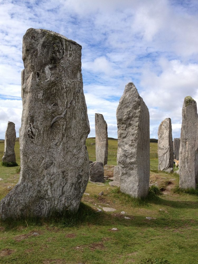 A close-up view of some of the Callanish Stones. Image Credit: Wikimedia Commons / CC BY-SA 4.0.