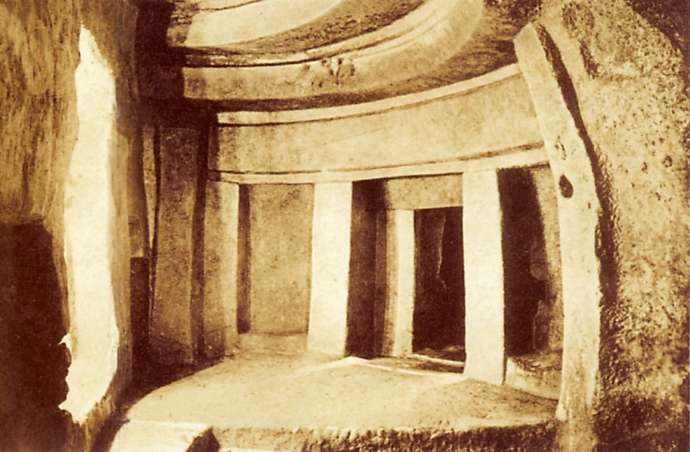 A Photograph of the Hypogeum of Ħal-Saflieni made before 1910. Public Domain.