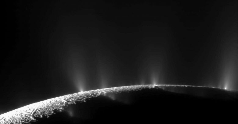 Photo of NASA Data Shows Oceans on Enceladus Contain the Building Blocks of Life