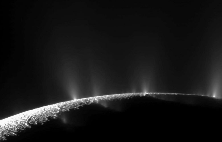 Encelauds and its plumes. NASA/JPL-Caltech/Space Science Institute.