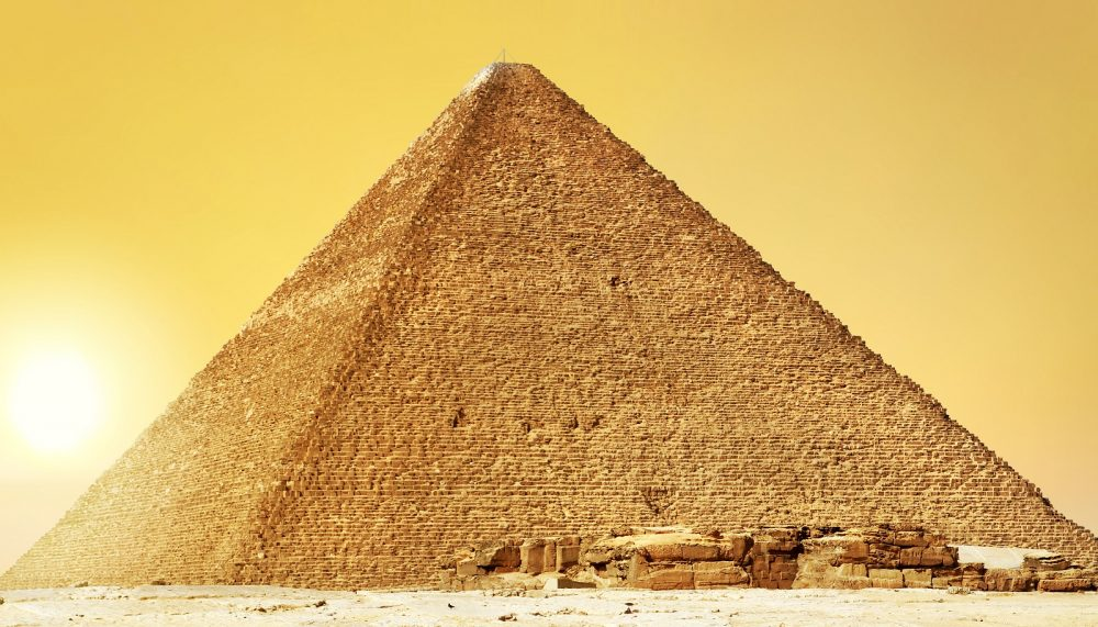 The-Great-Pyramid-of-Giza-and-its-Missing-Capstone. Shutterstock.