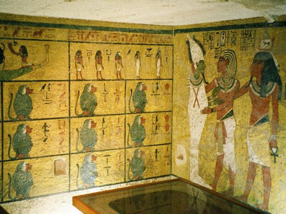 The decorated interior of King Tutankhamun's tomb. Image Credit: Wikimedia Commons / CC BY-SA 3.0.