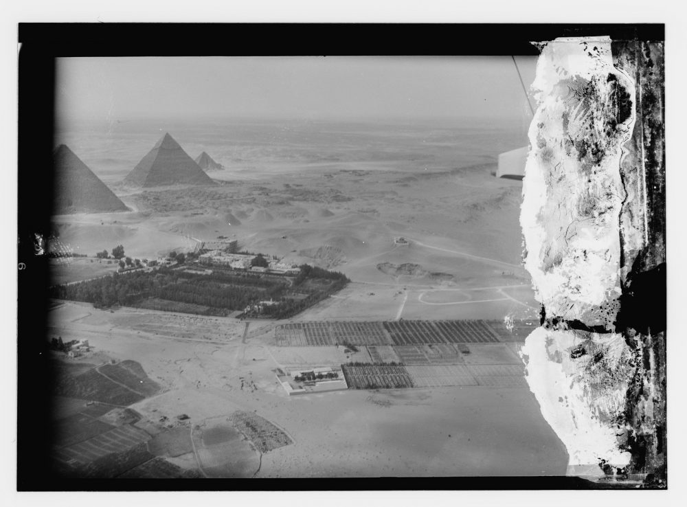 Aerial view of the Pyramids of Giza. Rare Image taken between 1910 and 1946. Source: Library of Congress / Wikimedia Commons.