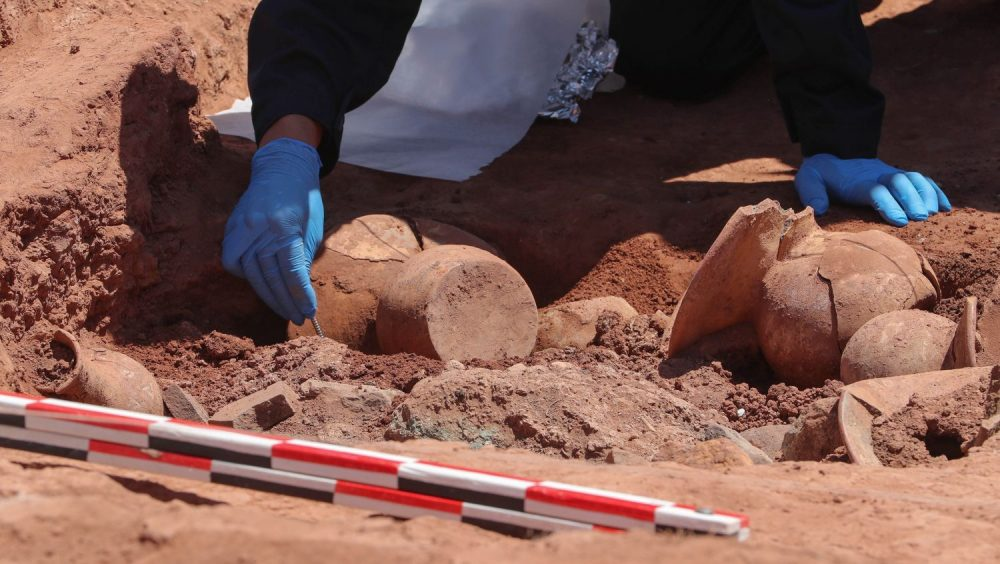 Archaeologists have made a revealing discovery at Tiahuanaco. Image Credit: EFE/ Martin Alipaz.