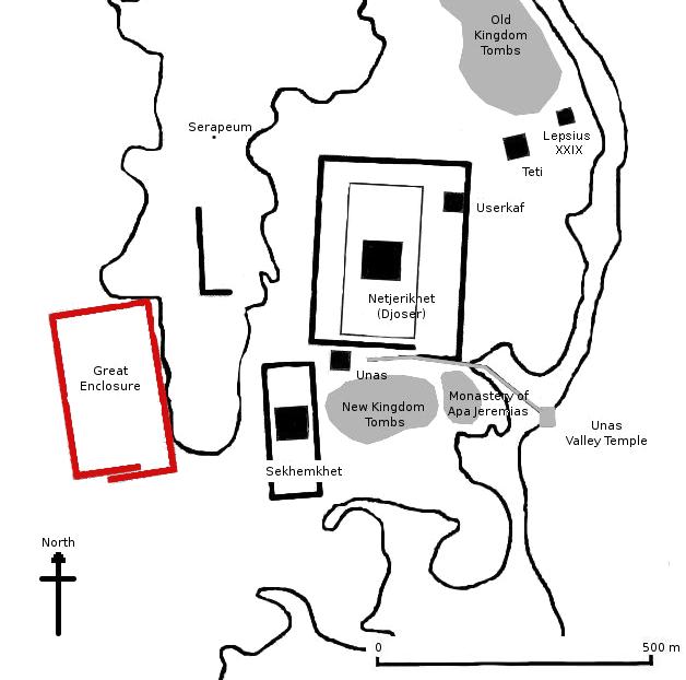 Gisr el-Mudir (Great Enclosure, red) on the map of Saqqara. Image Credit: Wikimedia Commons / Public Domain.