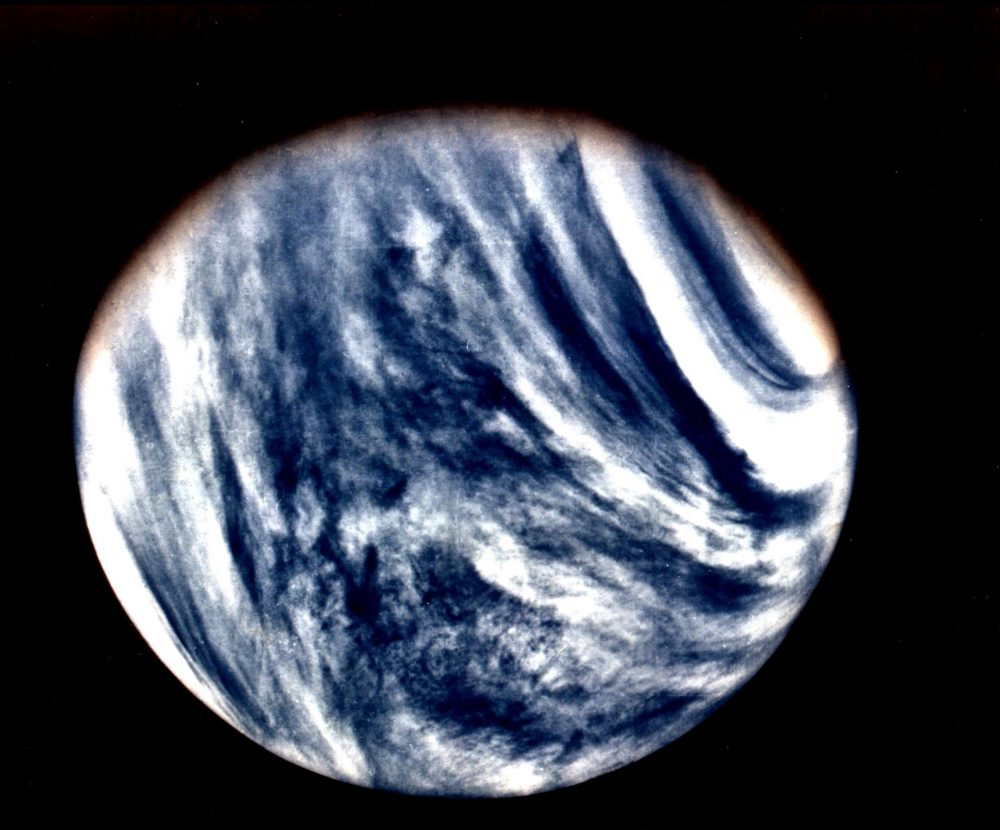 Global View of Venus in ultraviolet light as seen by Mariner 10. Image Credit: Wikimedia Commons / Public Domain.
