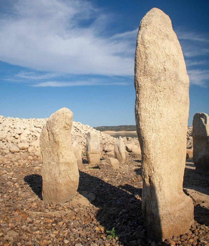 Seen here is one of the larger stones of the Spanish Stonehenge. Image Credit: Ruben Ortega Martin/ Raices de Peraleda.