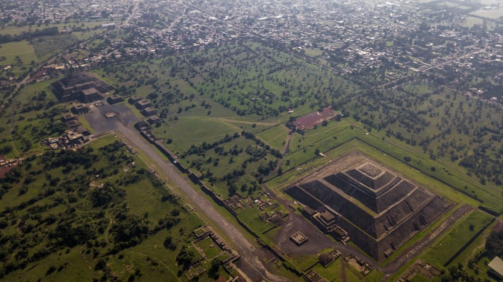 Aerial view of the two main pyramids at Teotihuacan. Shutterstock.