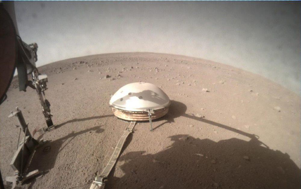 View of NASA's InSight lander on Mars. Image Credit: NASA.