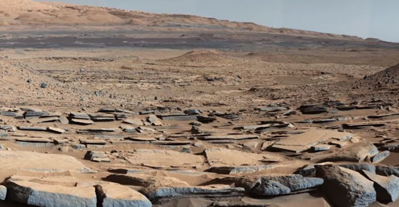 A view of the surface of Mars. Image Credit: Curiosity / NASA / JPL.