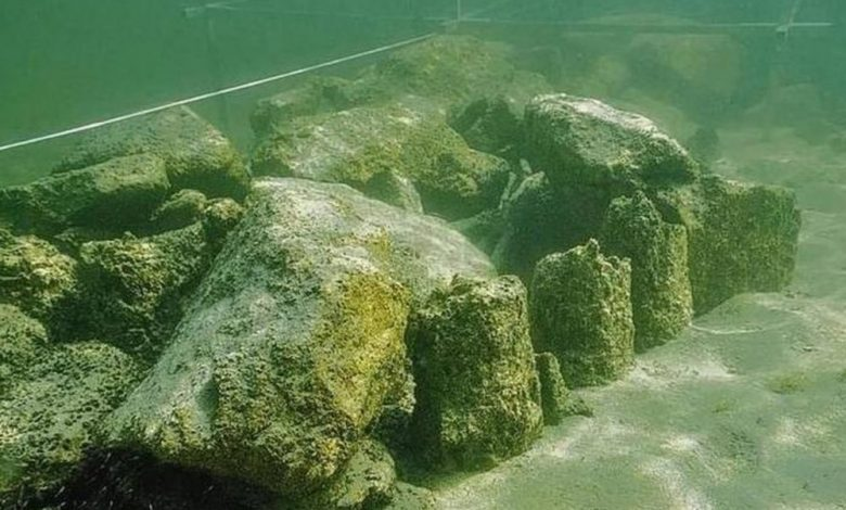 Seen here are some of the stones located at a depth of around 5 meters below Lake Constance. Image Credit: Thurgau Archaeology.