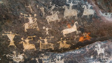An image of the Satukunda Rock Paintings. Shutterstock.