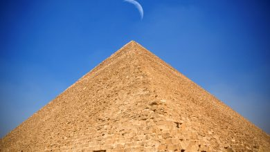 Photo of 7 Images of the Great Pyramid That Show Its True Behemoth Size
