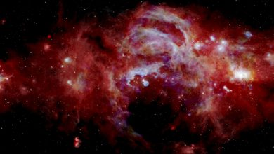 """An image that reveals the """"hidden center of the Milky Way galaxy."""" Image Credit: SOFIAtelescope."""