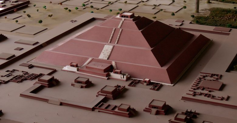 A model of the Pyramid of the Sun at Teotihuacan. Image Credit: Teotihuacan Museum / Wikimedia Commons.