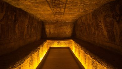 The interior of an ancient Egyptian temple. Shutterstock.